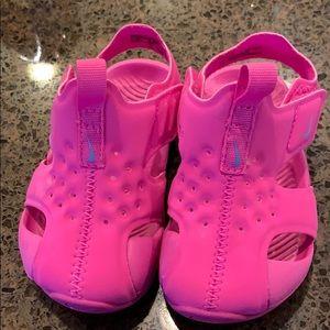EUC Infant Girls Nike Sandals